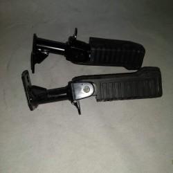 Kit poggia piedi Piaggio scooter Zip. Accessorio origonale Piaggio codice 602025M
