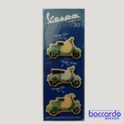 Magneti sagomati con alcuni dei modelli più famosi degli anni '60. Originale Vespa Sagome: Vespa 125, Vespa 125 U, Vespa 150 GS